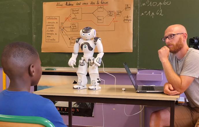 nao humanoid robot in classroom
